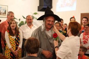 Der Zirkusdirektor eröffnet den Rosen-Reigen!